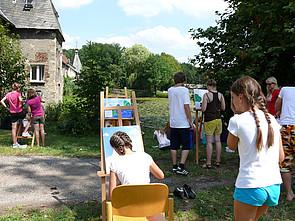 ISB Sommerolympiade: Schüler beim Malen