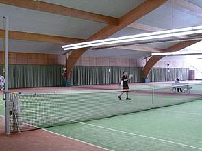Nahegelegene Tennishalle