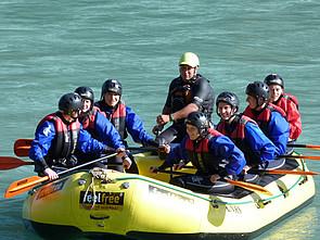 Bild Internatsschüler beim Rafting