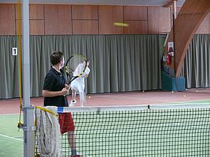 ISB Schüler in nahegelegener Tennishalle