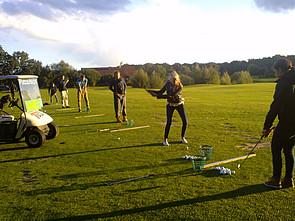 ISB Schüler beim Golfen